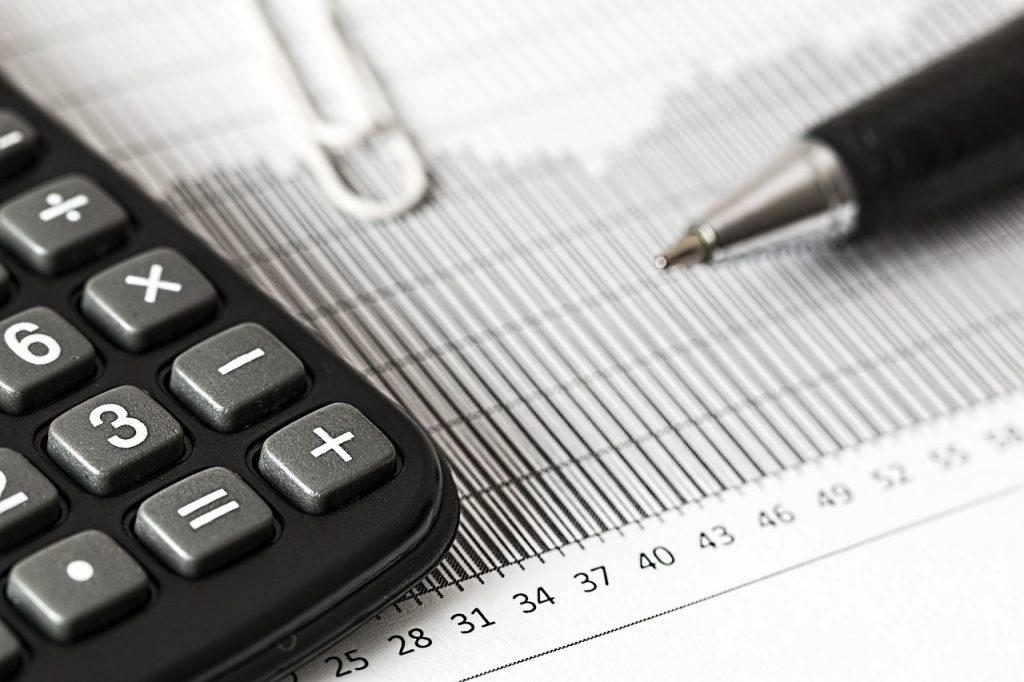 Vente en viager et impôts : que paie le vendeur ?