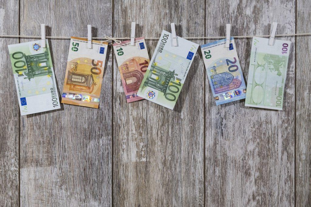 Vente en viager et impôts : quelle fiscalité ?